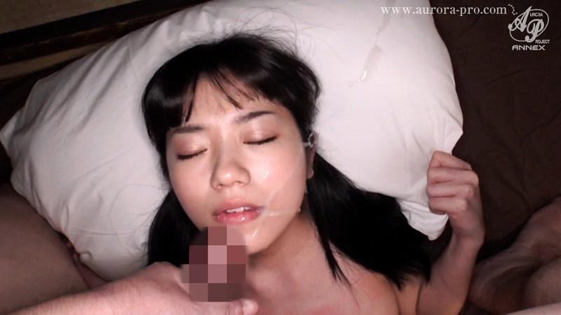 セックスとは無縁と思えるほど可憐な制服美少女の淫乱ハメ撮り 「首を絞めながら激しく犯して!」幾度も痙攣し全身紅潮で絶頂する敏感小柄娘 有栖るる008